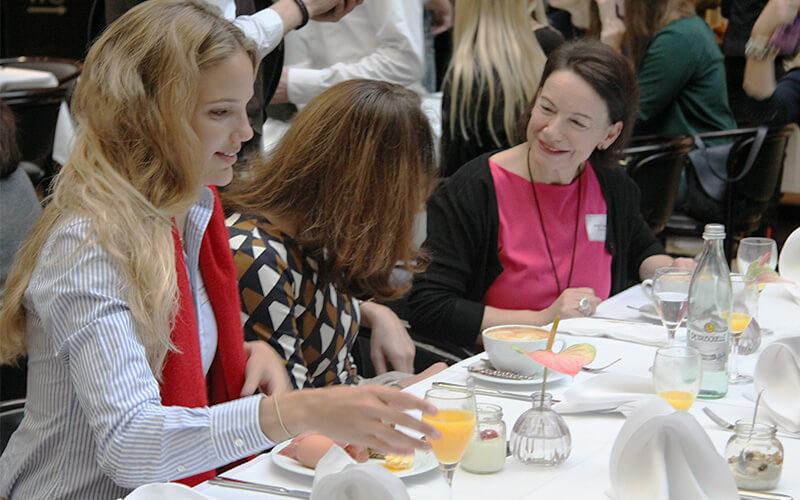 Frauen Netzwerk Treffen