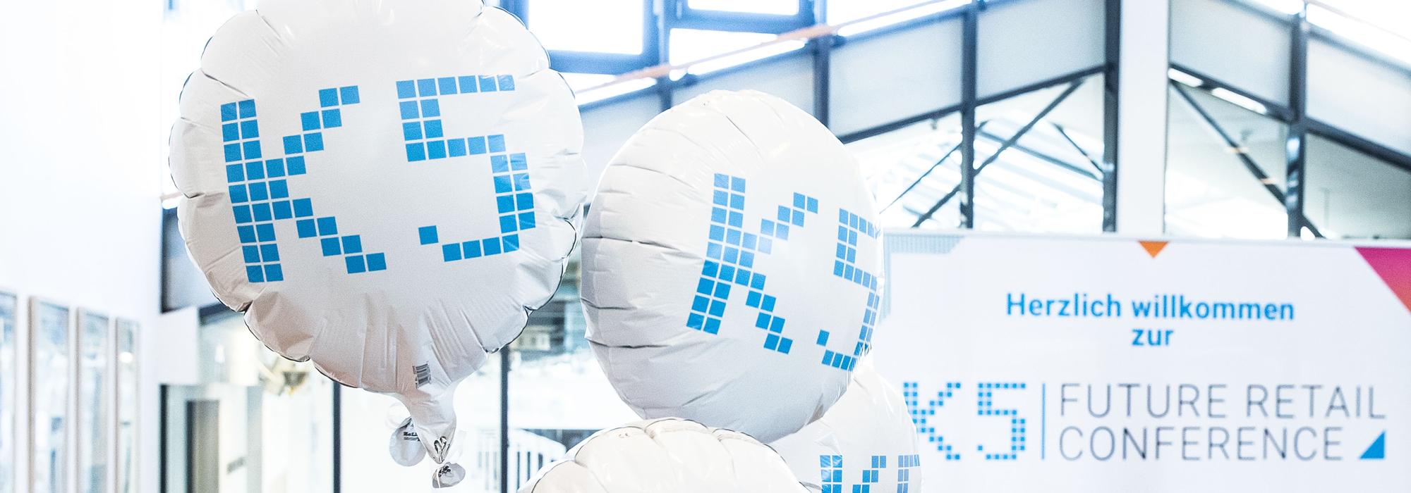 Ballons am Eingang der K5 Konferenz