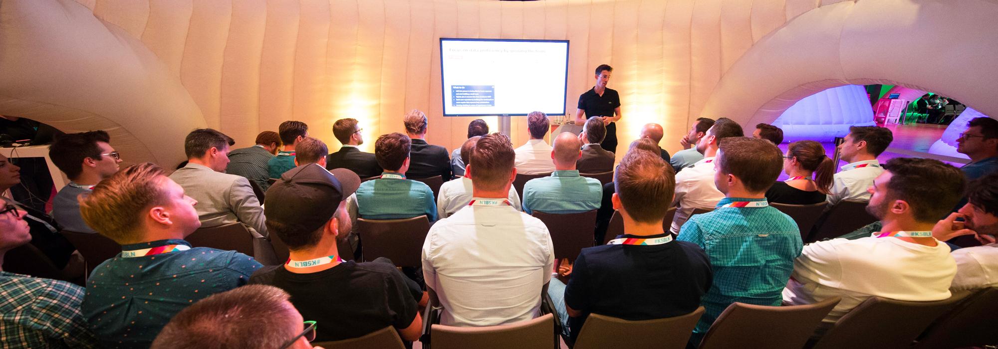 Vortrag mit viel Publikum